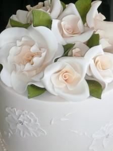 fondant_wedding_cake_flowers